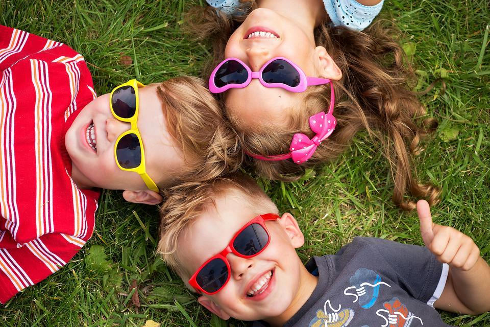 如何幫孩子挑選合適的太陽眼鏡?