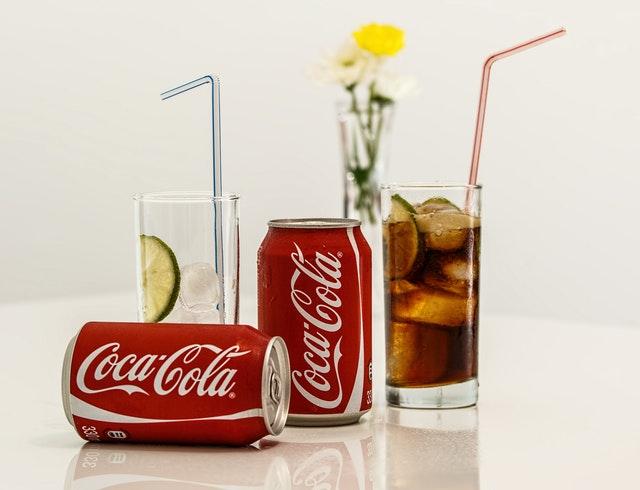 經常喝可樂容易患乳腺癌嗎?