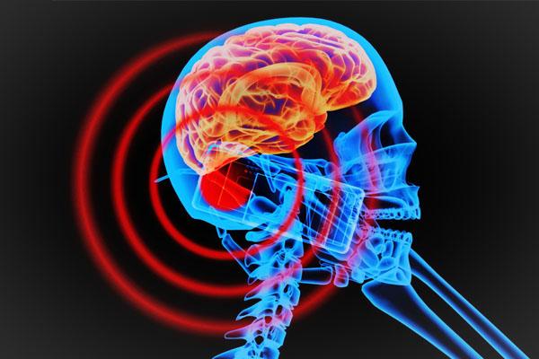 八招小技巧 讓你減少吸收電話的致命輻射