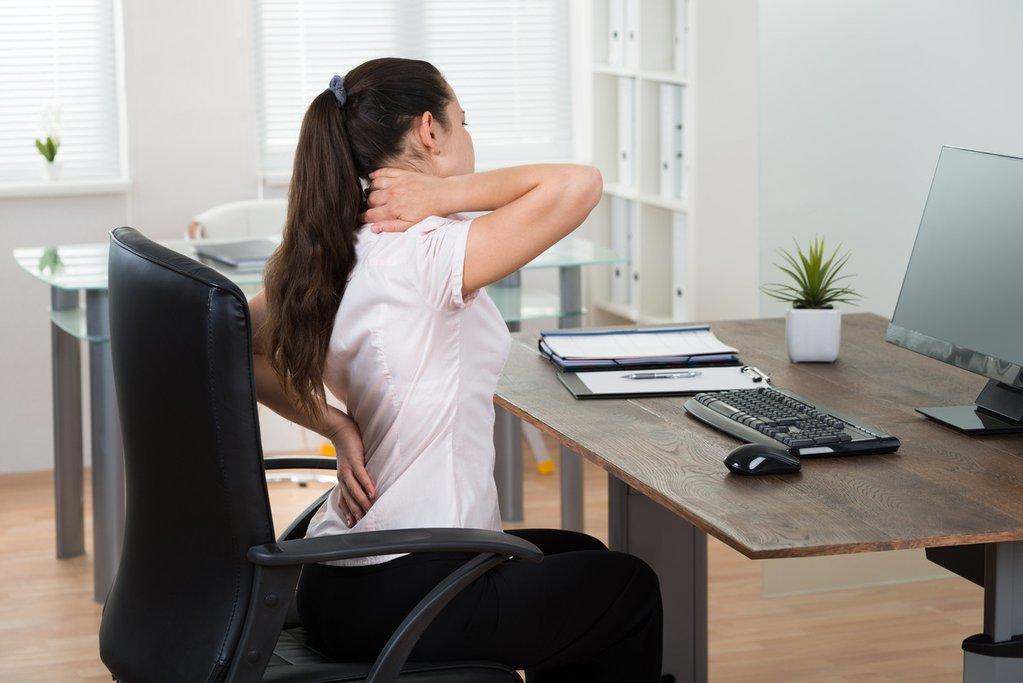 久坐腰痛 扭扭腰防腰痛消贅肉